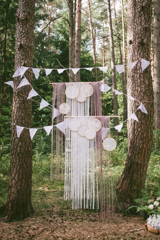 Vestuvių miške dekoravimas