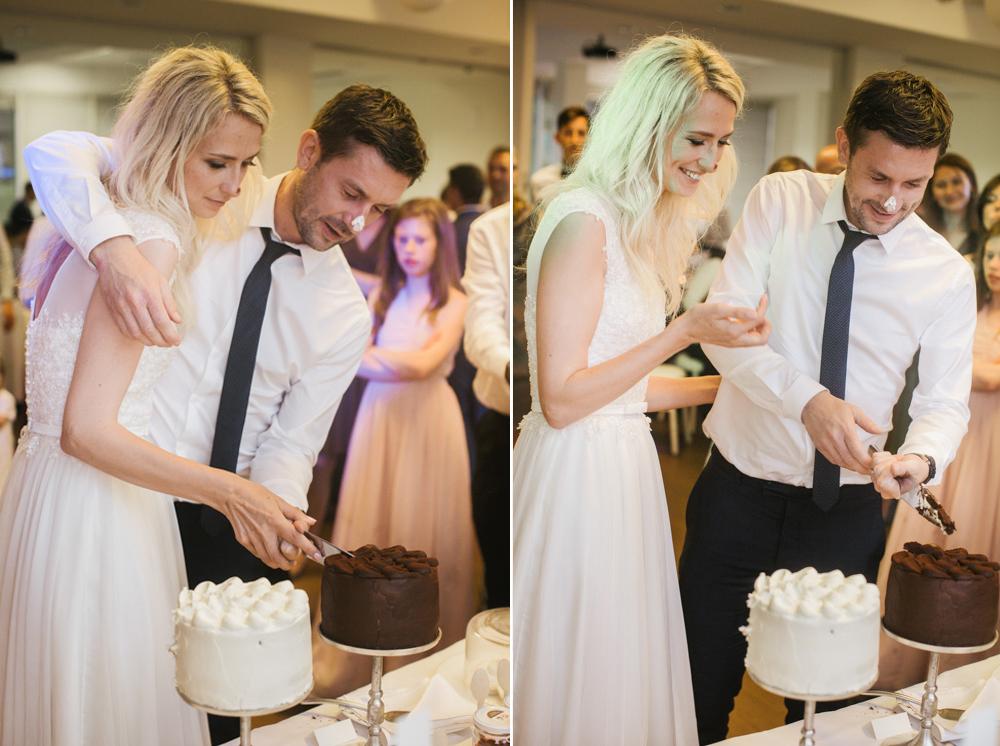 Vestuvinio torto pjovimas