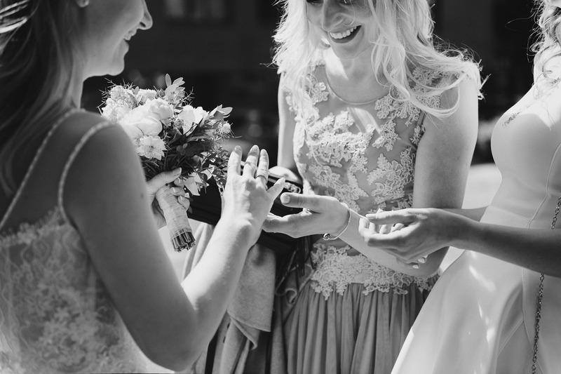 Vestuvės kieme