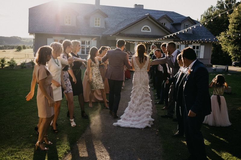 Linksmos vestuvės